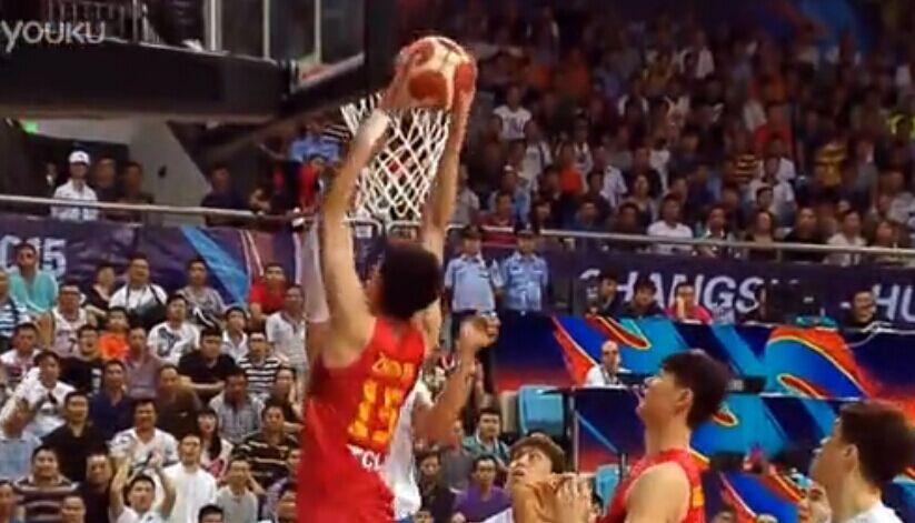 大魔王周琦爆发 导演中国惊天逆转专辑:《篮球世界》